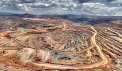 چرا معدن نمی تواند جای نفت را بگیرد