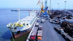 واردات از صادرات سبقت گرفت